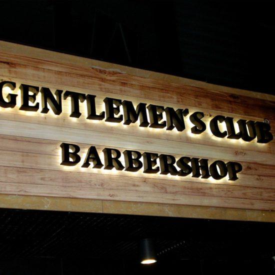 Виготовлення та монтаж вивіски для салону «Barbershop»