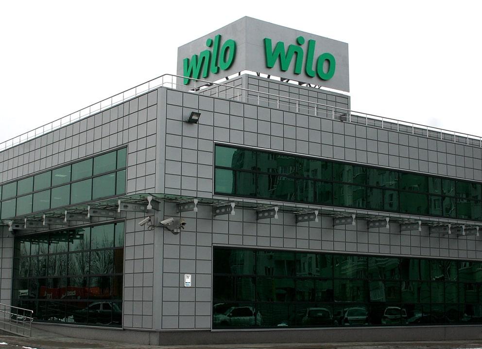 Виготовлення та монтаж 2-х сторонньої кришної рекламної конструкції для компанії «Wilo»