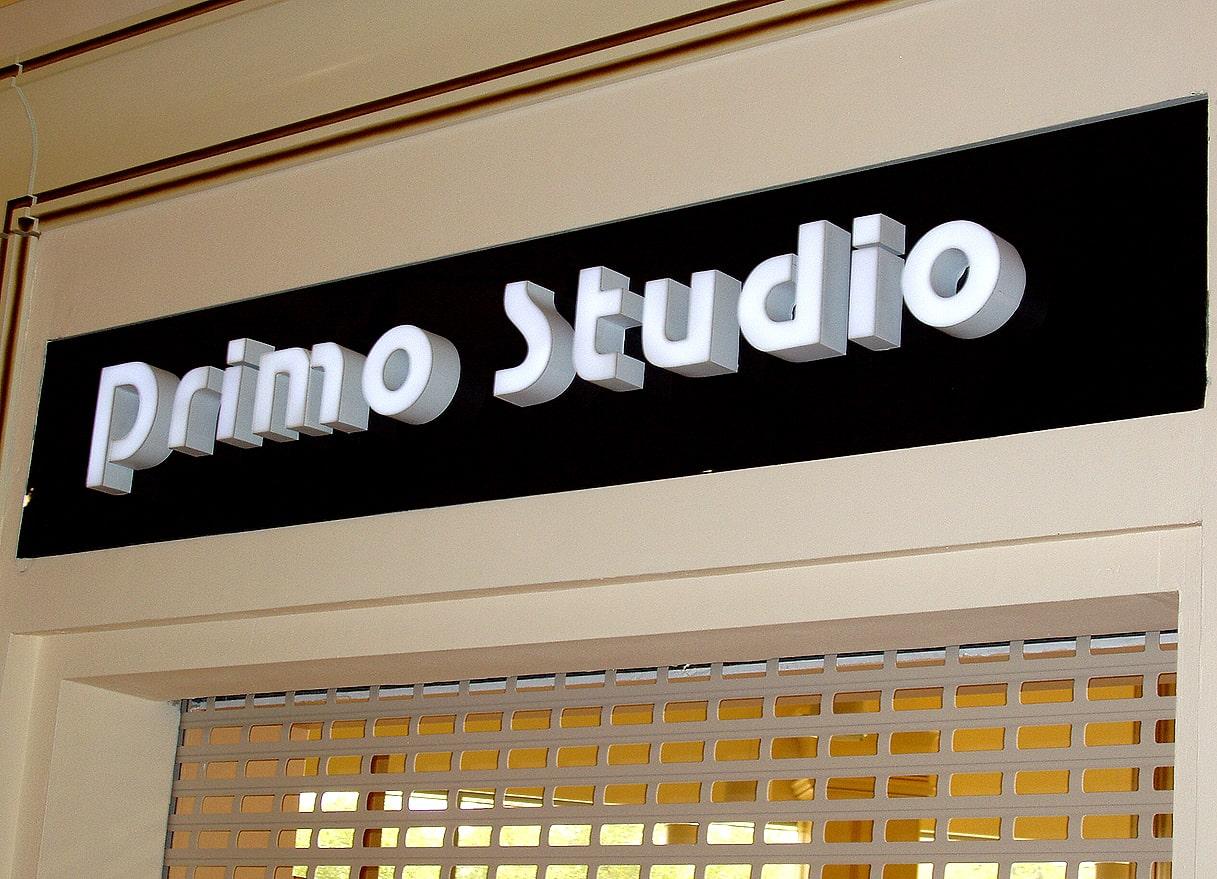 Виготовлення та монтаж вивіски для салону меблів «Primo Studio»